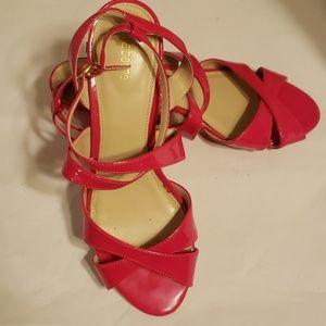 Liz Claiborne strappy pink sandals 7m